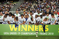 FOOTBALL - UEFA EURO 2010 UNDER 19 - FINAL - FRANCE  v SPAIN  - 30/07/2010  - PHOTO JEAN MARIE HERVIO / DPPI - CELEBRATION FRANCE WITH TROPHY