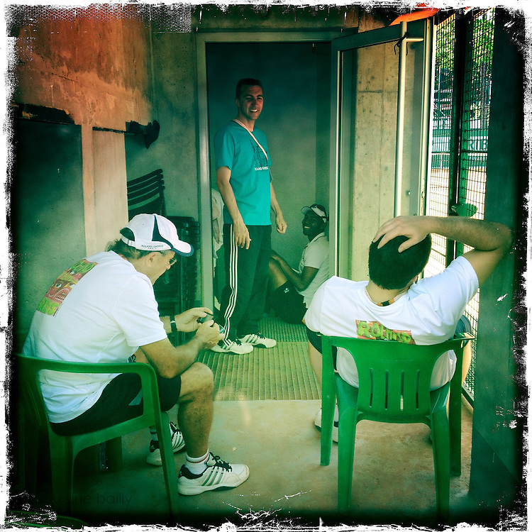 Roland Garros. Paris, France. May 27th 2012.Clay maintenance men..Les hommes de la maintenance de la terre battue...