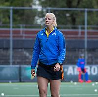AMSTELVEEN -  scheidsrechter Lizelotte Wolter,   tijdens de hoofdklasse hockeywedstrijd dames, zonder publiek vanwege COVID-19, AMSTERDAM-SCHC (2-2). COPYRIGHT KOEN SUYK