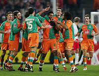 Fotball<br /> Bundesliga 2005/2006<br /> Foto: Witters/Digitalsport<br /> NORWAY ONLY<br /> <br /> Jubel 1:1 v.l. Jurica Vranjes, Torsten Frings, Leon Andreasen, Naldo, Johan Micoud, Patrick Owomoyela, Miroslav Klose Bremen<br /> Fussball Bundesliga 1.FC Köln - SV Werder Bremen