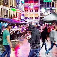 Nederland, Amsterdam, 29 juli 2017.<br /> Vrijdagavond Leidseplein.<br /> <br /> Foto: Jean-Pierre Jans