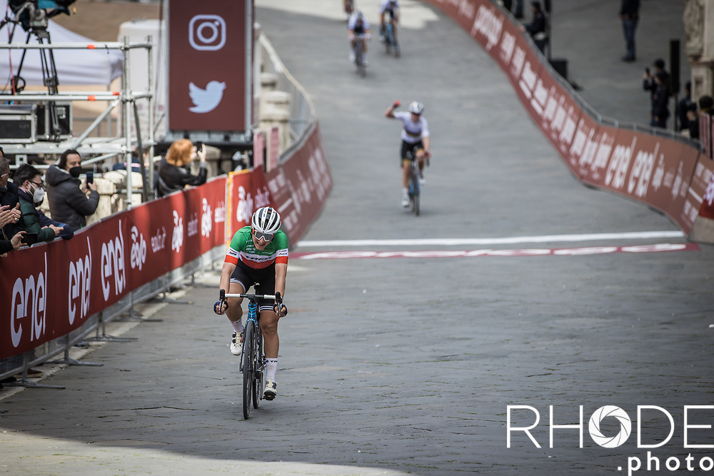 Elisa Longo Borghini (ITA/Trek Segafredo) finishes 2nd place<br /> <br /> 7th Strade Bianche Women Elite <br /> Siena > Siena 136km<br /> <br /> ©RhodePhoto