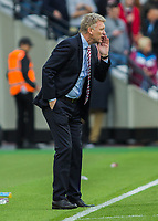 Football - 2016 / 2017 Premier League - West Ham United vs. Sunderland<br /> <br /> Sunderland Manager David Moyes tries to get message to his team at The London Stadium.<br /> <br /> COLORSPORT/DANIEL BEARHAM