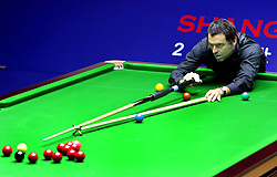 SHANGHAI, Sept. 12, 2018  Ronnie O'Sullivan of England competes during the second round match against Neil Robertson of Australia at 2018 World Snooker Shanghai Masters in Shanghai, east China, Sept. 12, 2018. (Credit Image: © Fan Jun/Xinhua via ZUMA Wire)