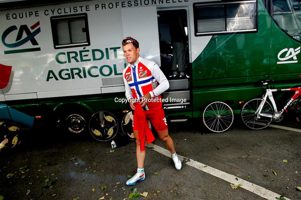 Lierse, 20040703.Tour de France. Tour Hushovd spurter inn til 5.plass på Prologen i Lierse...Foto: Daniel Sannum Lauten/Dagbladet