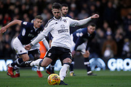 Oliver Norwood of Fulham scores his team's first goal from a penalty. EFL Skybet football league championship match, Fulham v Millwall at Craven Cottage in London on Saturday 25th November 2017.<br /> pic by Steffan Bowen, Andrew Orchard sports photography.