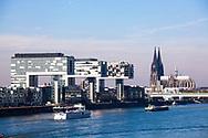 Europa, Deutschland, Koeln, die Kranhaeuser im Rheinauhafen, Architekt Hadi Teherani, der Dom. - <br /> <br /> Europe, Germany, Cologne, the Crane Houses at the Rheinau harbour, architect Hadi Teherani, the cathedral.