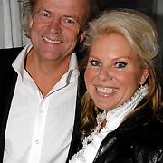 NLD/Oudekerk aan de Amstel/20061121 - Presentatie boek Perfect Age, Marga Scheide en partner Michiel Gunning