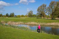 GOES - Hole 15, Golfbaan De Goese Golf,   op Zuid-Beveland,  Bal in het water. COPYRIGHT  KOEN SUYK