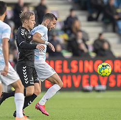 David Boysen (FC Helsingør) presses af Mike Vestergård (Kolding IF) under kampen i 1. Division mellem FC Helsingør og Kolding IF den 24. oktober 2020 på Helsingør Stadion (Foto: Claus Birch).