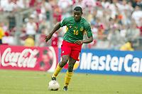 FOTBALL - CONFEDERATIONS CUP 2003 - GROUP B - KAMERUN V TYRKIA - 030621 - VALERY MEZAGUE (CAM) - PHOTO STEPHANE MANTEY / DIGITALSPORT