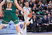 DESCRIZIONE : Eurocup 2014/15 Last32 Dinamo Banco di Sardegna Sassari -  Banvit Bandirma<br /> GIOCATORE : David Logan<br /> CATEGORIA : Palleggio Contropiede<br /> SQUADRA : Dinamo Banco di Sardegna Sassari<br /> EVENTO : Eurocup 2014/2015<br /> GARA : Dinamo Banco di Sardegna Sassari - Banvit Bandirma<br /> DATA : 11/02/2015<br /> SPORT : Pallacanestro <br /> AUTORE : Agenzia Ciamillo-Castoria / Luigi Canu<br /> Galleria : Eurocup 2014/2015<br /> Fotonotizia : Eurocup 2014/15 Last32 Dinamo Banco di Sardegna Sassari -  Banvit Bandirma<br /> Predefinita :