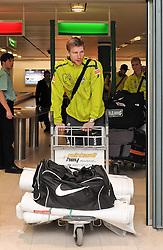 11.01.2010, Flughafen, Bremen, GER, Ankunft Werder Bremen Trainingslager Belek Türkei / Tuerkei 2011, im Bild Per Mertesacker (Bremen #29)   EXPA Pictures © 2011, PhotoCredit: EXPA/ nph/  Frisch       ****** out of GER / SWE / CRO ******