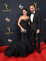 Neve Campbell & JJ Field bei der Verleihung der 68. Primetime Emmy Awards in Los Angeles / 180916<br /> <br /> *** 68th Primetime Emmy Awards in Los Angeles, California on September 18th, 2016***