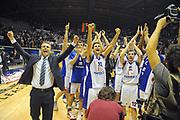 DESCRIZIONE : Desio Eurolega 2011-12 Bennet Cantu Olympiacos Piraeus<br /> GIOCATORE : Andrea Cinciarini team<br /> CATEGORIA : esultanza<br /> SQUADRA : Bennet Cantu<br /> EVENTO : Eurolega 2011-2012<br /> GARA : Bennet Cantu Olympiacos Piraeus<br /> DATA : 09/11/2011<br /> SPORT : Pallacanestro <br /> AUTORE : Agenzia Ciamillo-Castoria/GiulioCiamillo<br /> Galleria : Eurolega 2011-2012<br /> Fotonotizia : Desio Eurolega 2011-12 Bennet Cantu Olympiacos Piraeus<br /> Predefinita :