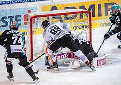 06.12.2019, Keine Sorgen Eisarena, Linz, AUT, EBEL, EHC Liwest Black Wings Linz vs Dornbirn Bulldogs, 25. Runde, im Bild v.l. Josh Roach (EHC Liwest Black Wings Linz), Juhani Timo Tapio Tamminen (Dornbirn Bulldogs), Tormann Paul Mocher (EHC Liwest Black Wings Linz), Rick Schofield (EHC Liwest Black Wings Linz) // during the Erste Bank Eishockey League 25th round match between EHC Liwest Black Wings Linz and Dornbirn Bulldogs at the Keine Sorgen Eisarena in Linz, Austria on 2019/12/06. EXPA Pictures © 2019, PhotoCredit: EXPA/ Reinhard Eisenbauer