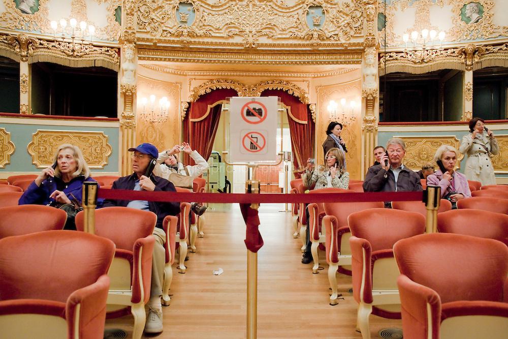 20 ottobre 2009. Venice, Italy. Teatro La Fenice.<br /> <br /> ©2009 Gianni Cipriano<br /> cell. +1 646 465 2168 (USA)<br /> cell. +39 328 567 7923<br /> gianni@giannicipriano.com<br /> www.giannicipriano.com