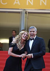 CANNES, May 12, 2016 (Xinhua) -- Cast members George Clooney(R) and Julia Roberts pose on the red carpet for the screening of the film ''Money Monster'' during the 69th Cannes Film Festival in Cannes, France, May 12, 2016. (Xinhua/Jin Yu) (Credit Image: © Jin Yu/Xinhua via ZUMA Wire)