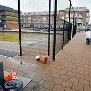 Nederland Rotterdam 3 februari 2007 20070302.zwerfvuil naast afvalcontainers in Rotterdam Zuid/ Hillevliet..Foto David Rozing