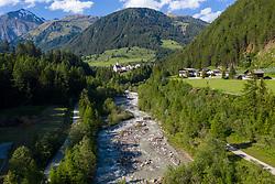 """THEMENBILD – Übersicht auf das Kalsertal, Naherholungsgebiet Schotterfluren am Kalser Bach. Kals am Großglockner, Österreich am Donnerstag, 13. Juni 2019 // Overview of the Kalsertal, Recreation area """"Schotterfluren"""" at the river """"Kalserbach"""" Thursday, June 13, 2019 in Kals am Grossglockner, Austria. EXPA Pictures © 2019, PhotoCredit: EXPA/ Johann Groder"""