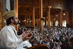 August 18, 2017 - Srinagar, India - After remaining under house arrest for about two months chairman of his faction of Hurriyat Conference Mirwaiz Umar Farooq delivered sermon at Jamia Masjid in Srinagar on August 18, 2017. (Credit Image: © Abbas Idrees/Pacific Press via ZUMA Wire)