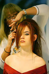 Demonstração de produto nos estandes da HAIR BRASIL - 6º Feira Internacional de Beleza, Cabelos e Estética, que acontece de 13 a 16 de abril de 2007, no Expo Center Norte, em São Paulo. FOTO: Jefferson Bernardes/Preview.com