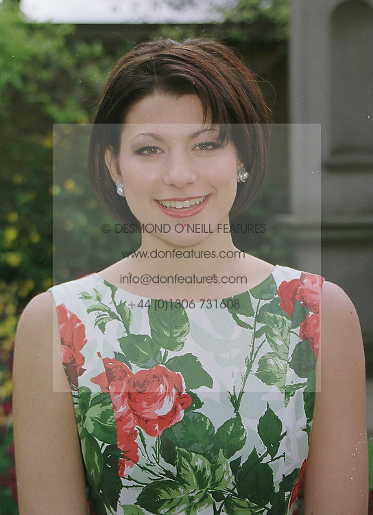 Debutante MISS DAVINIA MANARAS at a fashion show in London on 11th April 1999.MPX 5