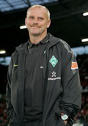 21.09.2010, AWD Arena, Hannover, GER, FBL, Hannover 96 vs Werder Bremen, im Bild Thomas Schaaf (Trainer Bremen) EXPA Pictures © 2010, PhotoCredit: EXPA/ nph/  Schrader+++++ ATTENTION - OUT OF GER +++++ / SPORTIDA PHOTO AGENCY