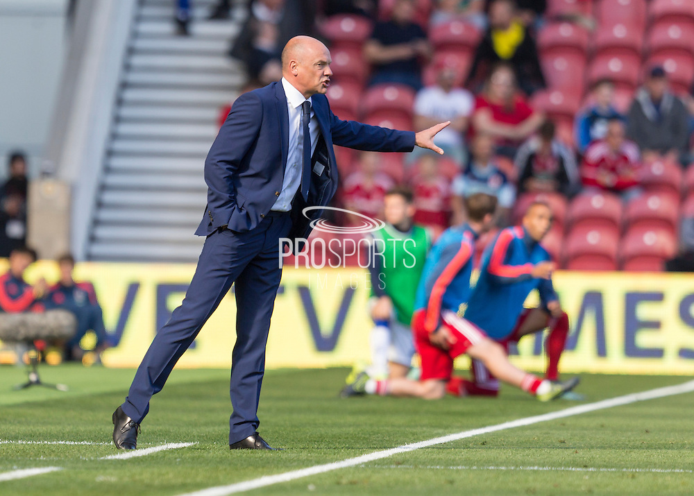 Leeds United FC Manager Uwe Rosler gives instructions during the Sky Bet Championship match between Middlesbrough and Leeds United at the Riverside Stadium, Middlesbrough, England on 27 September 2015. Photo by George Ledger.