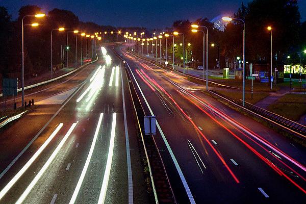 Nederland, Nijmegen, 22-7-2005..Het KAN heeft voorspeld dat als er geen extra brug komt in 5 jaar tijd het verkeer over de A 325 van Arnhem naar Nijmegen vastgelopen zal zijn. Deze brug is de enige toegangsweg uit het noorden. ..Foto: Flip Franssen/Hollandse Hoogte