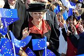 Beatrix bij viering 50-jarig bestaan Europese School Bergen