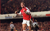 Ray Parlour celebrates scoring his 2nd goal. Arsenal 5:0 Newcastle United, F.A.Carling Premiership, 9/12/2000. Credit Colorsport / Stuart MacFarlane.