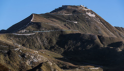 THEMENBILD - Blick auf die Panoramastraße Edelweissspitze (2571 m ü. A.). Die Grossglockner Hochalpenstrasse verbindet die beiden Bundeslaender Salzburg und Kaernten mit einer Laenge von 48 Kilometer und ist als Erlebnisstrasse vorrangig von touristischer Bedeutung, aufgenommen am 15. September 2016, Bruck a. d. Glocknerstrasse, Oesterreich // the Edelweißspitze viewpoint. The Grossglockner High Alpine Road connects the two provinces of Salzburg and Carinthia with a length of 48 km and is as an adventure road priority of tourist interest at Bruck a. d. Glocknerstrasse, Austria on 2016/09/15. EXPA Pictures © 2016, PhotoCredit: EXPA/ JFK