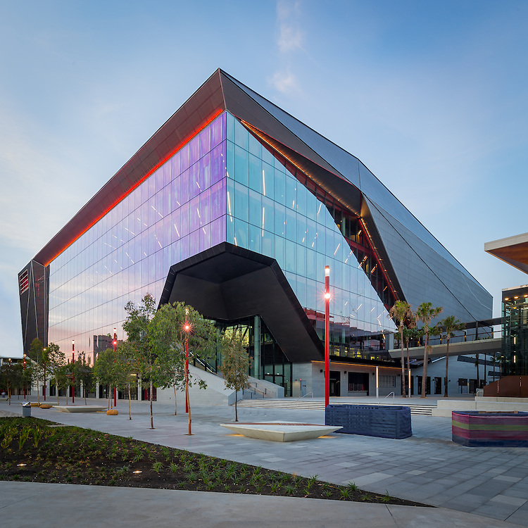 international convention centre sydney theatre.  designed by HASSELL + populous, built by lend lease