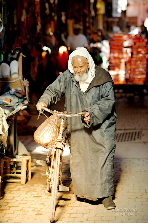 Activity in the soukh of Marrakech