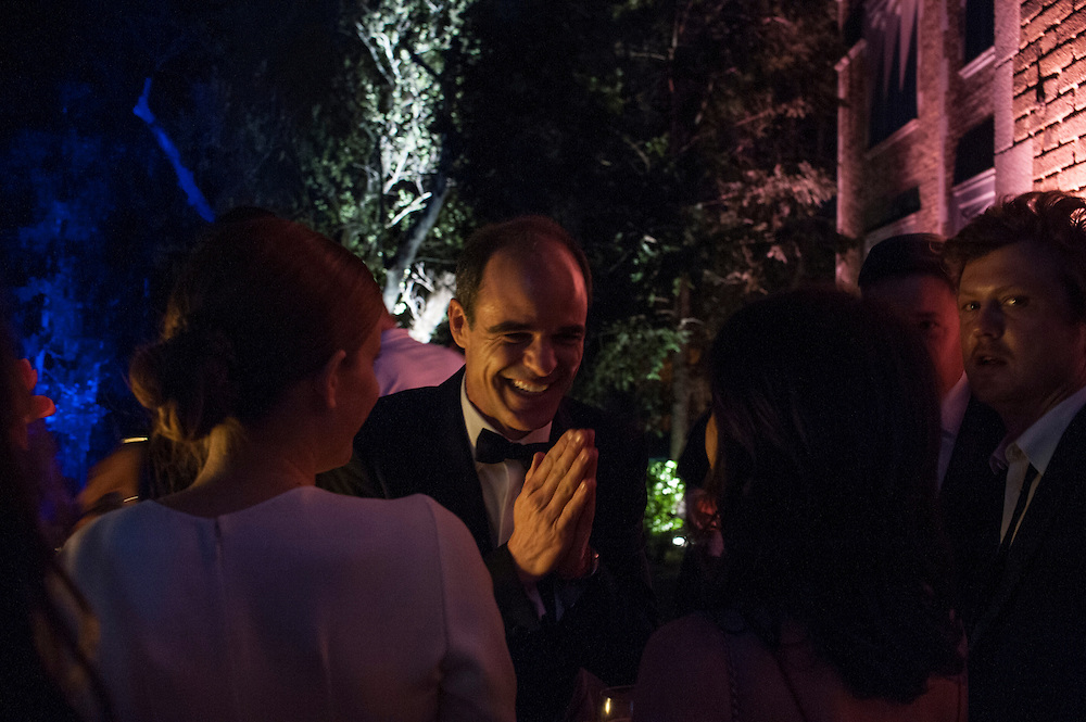 Photo by Matt Roth.Assignment ID: 30141809A..House of Cards star Michael Kelly socializes with his co-stars Kate Mara, left, and Constance Zimmer, right, during the Vanity Fair Bloomberg White House Correspondence Dinner After Party at the Official Residence of the French Ambassador Washington, D.C. on Sunday, April 28, 2013.