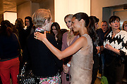 JUSTINE PICARDIE; LAURA BAILEY; THANDIE NEWTON, Vogue: Fashion's Night Out: Armani. Bond st.  London. 8 September 2010.  -DO NOT ARCHIVE-© Copyright Photograph by Dafydd Jones. 248 Clapham Rd. London SW9 0PZ. Tel 0207 820 0771. www.dafjones.com.