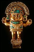 PERU, PRECOLUMBIAN GOLD Chimu; TUMI ceremonial knife