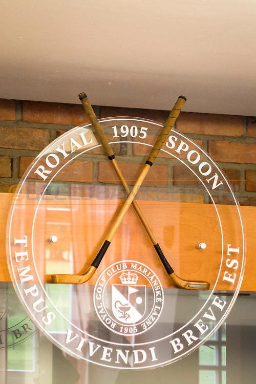 20-09-2015: Royal Golf Club Marianske Lazne in Marianske Lazne (Marienbad), Tsjechië.<br /> Foto: Logo in de bar