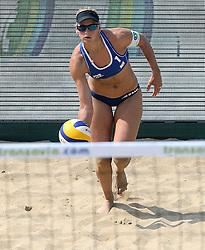 18-07-2014 NED: FIVB Grand Slam Beach Volleybal, Scheveningen<br /> Knock out fase - Marleen van Iersel (1) NED