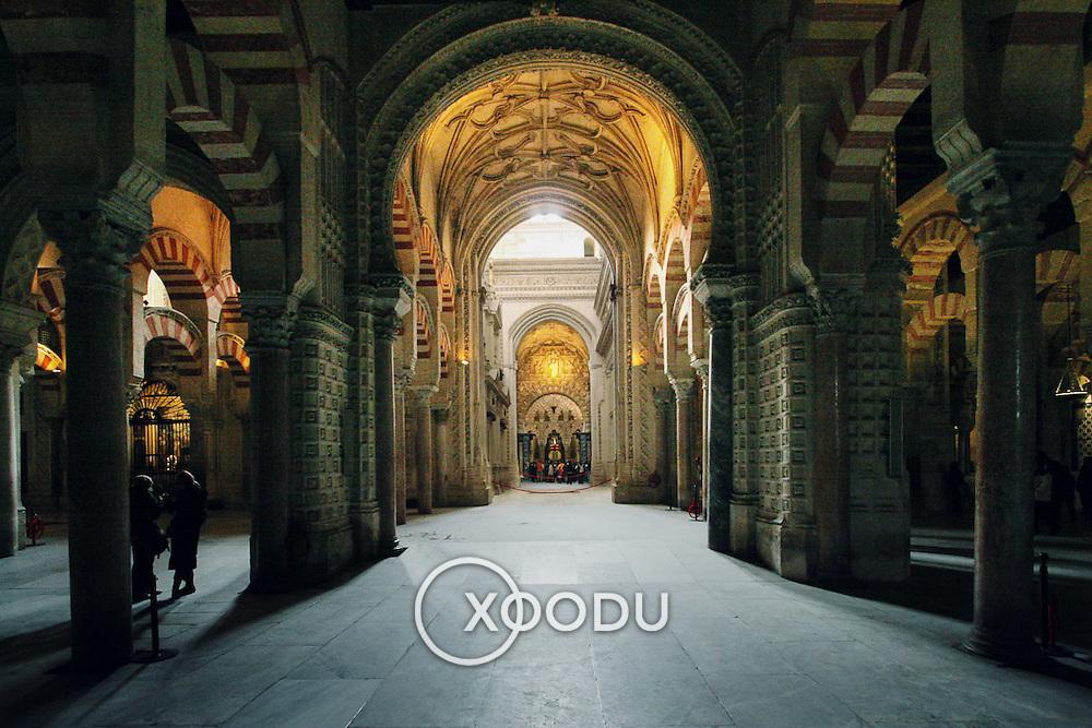 Mezquita mosque arches Abd-Ar-Rahman I, Cordoba, Spain (January 2007)