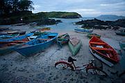 Cabo Frio_RJ, Brasil...Barcos na praia de Cabo Frio...Boats in the Cabo Frio beach...Foto: JOAO MARCOS ROSA / NITRO