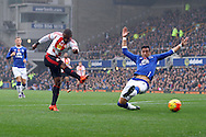 Jermain Defoe of Sunderland tries a shot at goal but his effort is blocked. Barclays Premier League match, Everton v Sunderland at Goodison Park in Liverpool on Sunday 1st November 2015.<br /> pic by Chris Stading, Andrew Orchard sports photography.