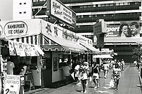1987 Hollywood Hamburger next to Starline Tours on Hollywood Blvd.