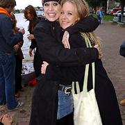 NLD/Amsterdam/20050808 - Deelnemers Sterrenslag 2005, Louise Schiffmacher - van Teylingen en Wytske Kenemans