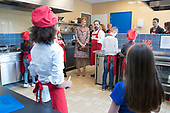 Koningin Maxima opent 50e Resto VanHarte