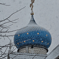 London 6th January  Heavy snowfall at the London  Russian Orthodox  Cathedral of the Dormition of the Most Holy Mother of God and Holy Royal Martyrs. The Orthodox community will celebrate Christmas on the 7th of January in the Gregorian Calendar...***Agreed Fee's Apply To All Image Use***.Marco Secchi /Xianpix. tel +44 (0) 771 7298571. e-mail ms@msecchi.com .www.marcosecchi.com
