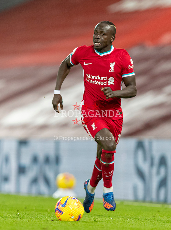 LIVERPOOL, ENGLAND - Sunday, January 17, 2021: Liverpool's Sadio Mané during the FA Premier League match between Liverpool FC and Manchester United FC at Anfield. The game ended in a 0-0 draw. (Pic by David Rawcliffe/Propaganda)