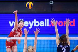12.06.2018, Porsche Arena, Stuttgart<br /> Volleyball, Volleyball Nations League, Türkei / Tuerkei vs. Niederlande<br /> <br /> Angriff Ebrar Karakurt (#90 TUR)<br /> <br /> Foto: Conny Kurth / www.kurth-media.de