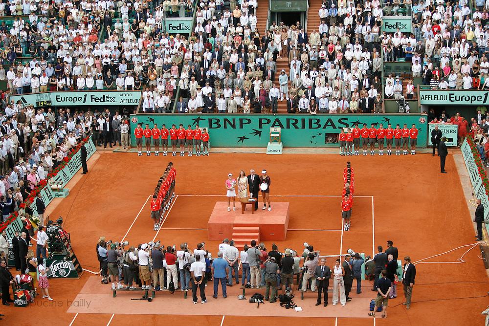 Roland Garros. Paris, France. June 9th 2007..Women's Final..Justine HENIN won against Ana IVANOVIC..From left to right on the podium: Justine HENIN, Mary PIERCE, Christian BIMES and Ana IVANOVIC